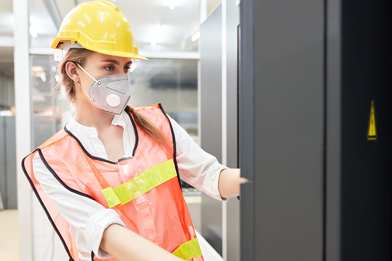 How Respirator Fit Testing Keeps Your Employees Safe